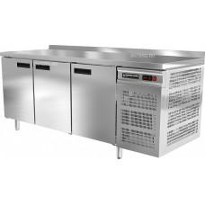 Стол холодильный трехдверный с бортом